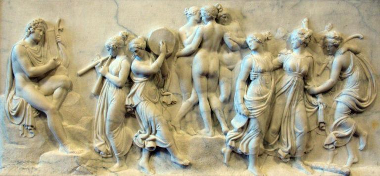Музы на горе Геликон. 1816.  Скульптор – Торвальдсен Бертель