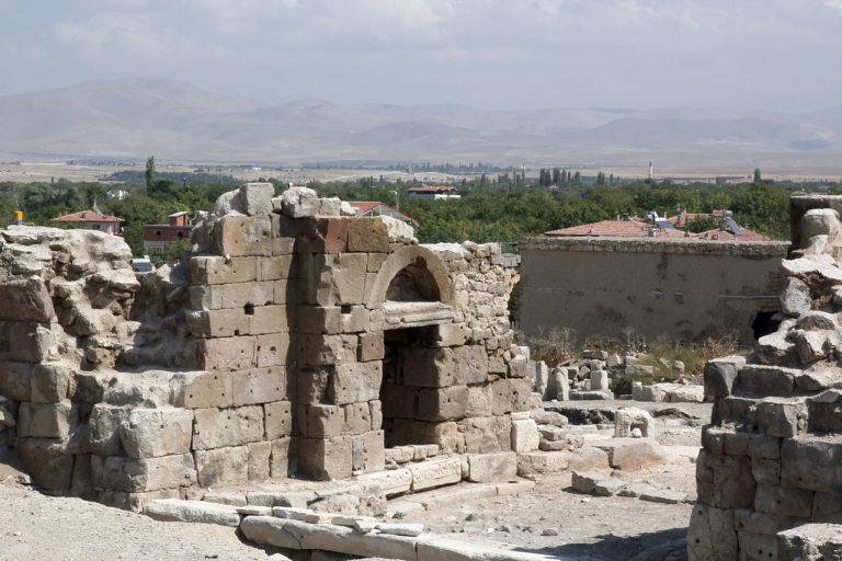 Тиана, римские руины, поселок Кемерхисар, Турция (бывшая Каппадокия)