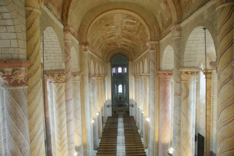Базилика Сен-Савен-сюр-Гартамп. Ок. 1100 г. Сен-Савен, Франция