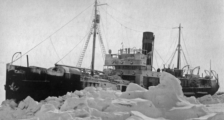 Дрейф во льдах Арктики ледокола «Георгий Седов». 1940