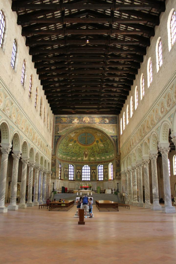 Хор базилики Сант Аполлинаре ин Классе. Сер. VI в. Равенна