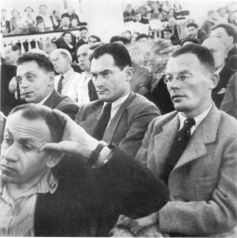 Илья Ильф, Евгений Петров, Лев Славин (второй ряд, справа налево) на Первом съезде советских писателей. 1934