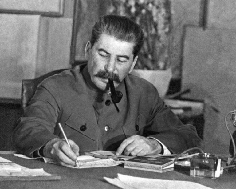 Иосиф Виссарионович Сталин (Джугашвили, 1878–1953)