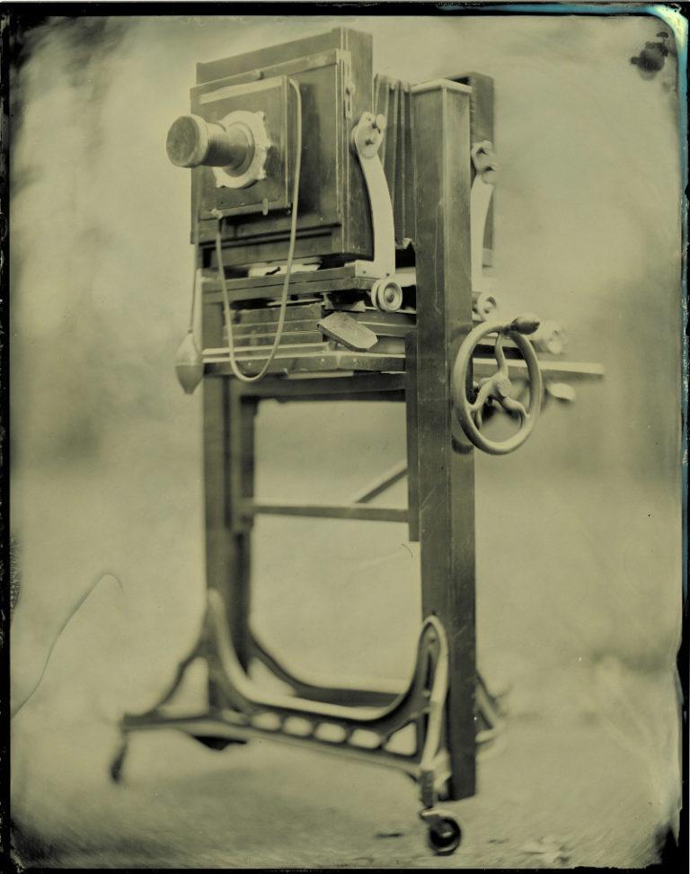Камера для создания фото с помощью мокроколлодионного процесса