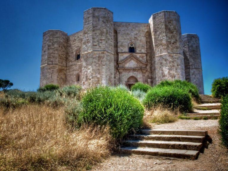 Кастель дель Монте. 1240 г.
