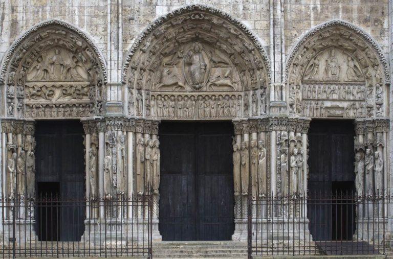 Королевский портал Шартрского собора. 1150-е