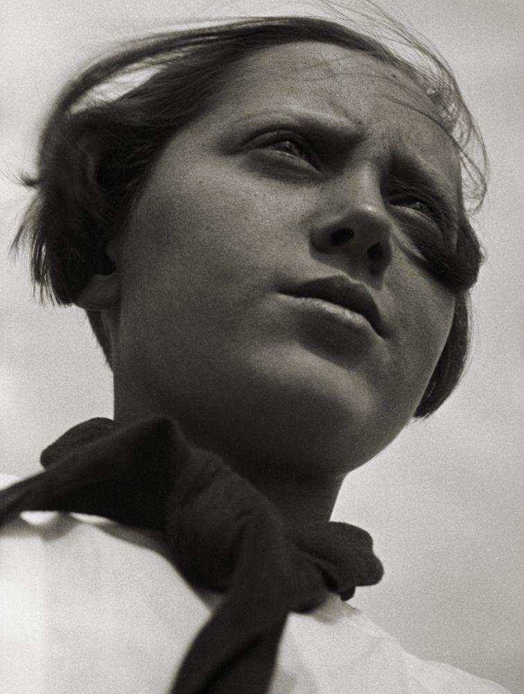 Пионерка. 1930
