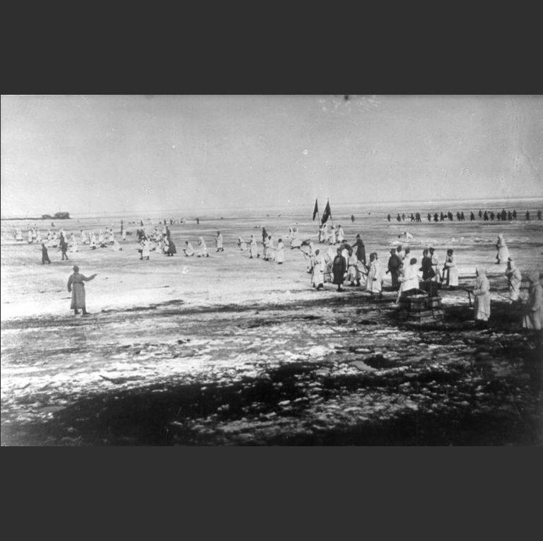 Подавление Крондштатского мятежа. Красная армия атакует Кронштадт по льду Финского залива. 1921
