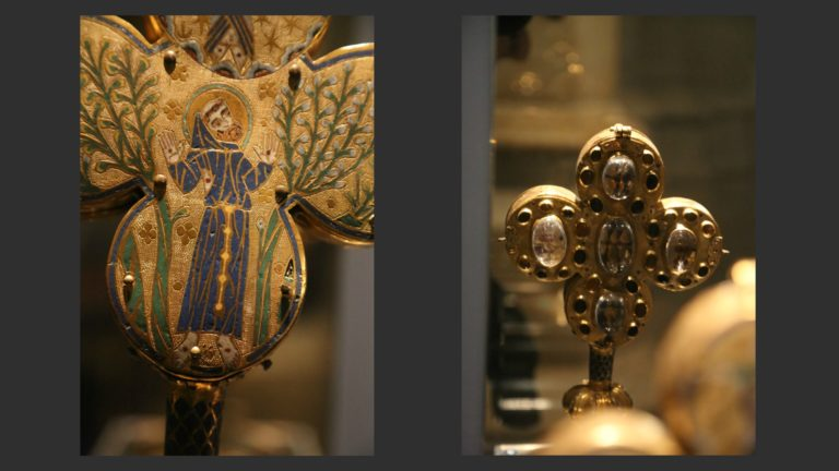 Реликварий св. Франциска. Оборотная и лицевая сторона с фрагментами мощей. Лимож, XIII в.