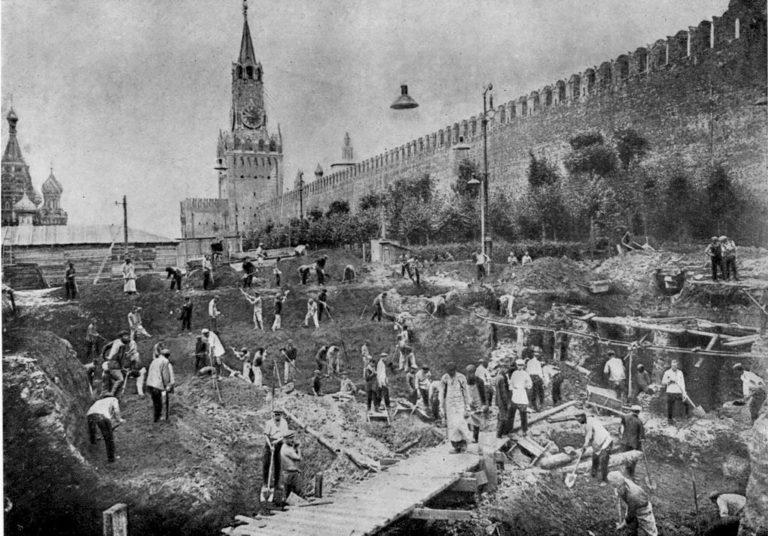 Строительство Мавзолея В.И. Ленина. 1929