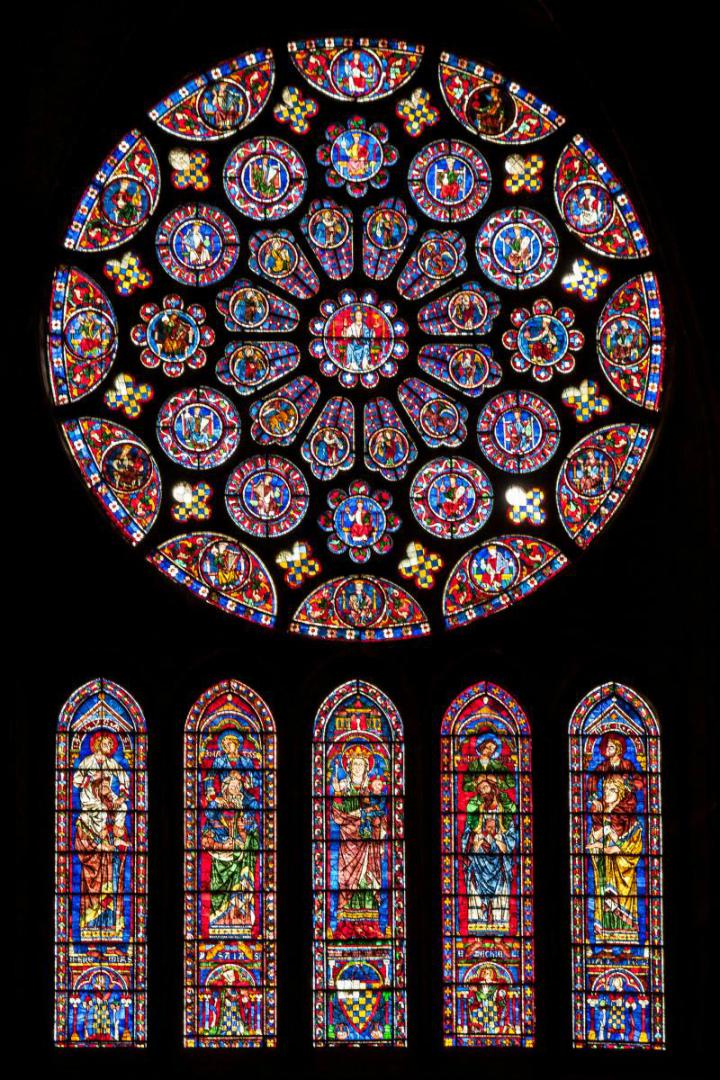 Витражи южного трансепта собора в Шартре. 1221–1230. Франция