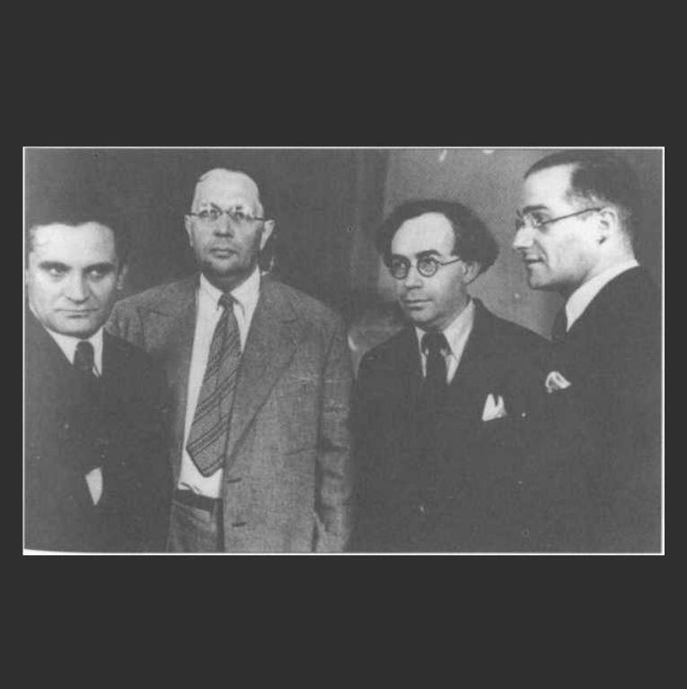 Ю. Олеша, А. Толстой, Л. Никулин и В. Стенич на Первом съезде советских писателей. 1934