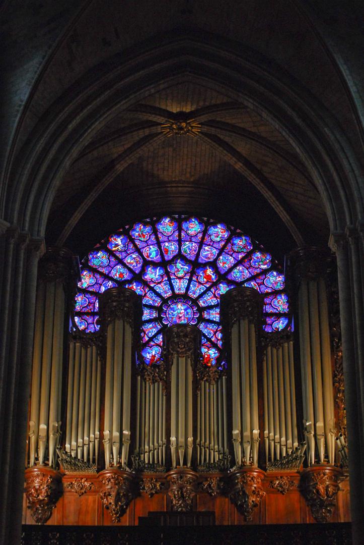 Западная витражная роза собора Нотр-Дам де Пари. 1220–1230. Париж, Франция