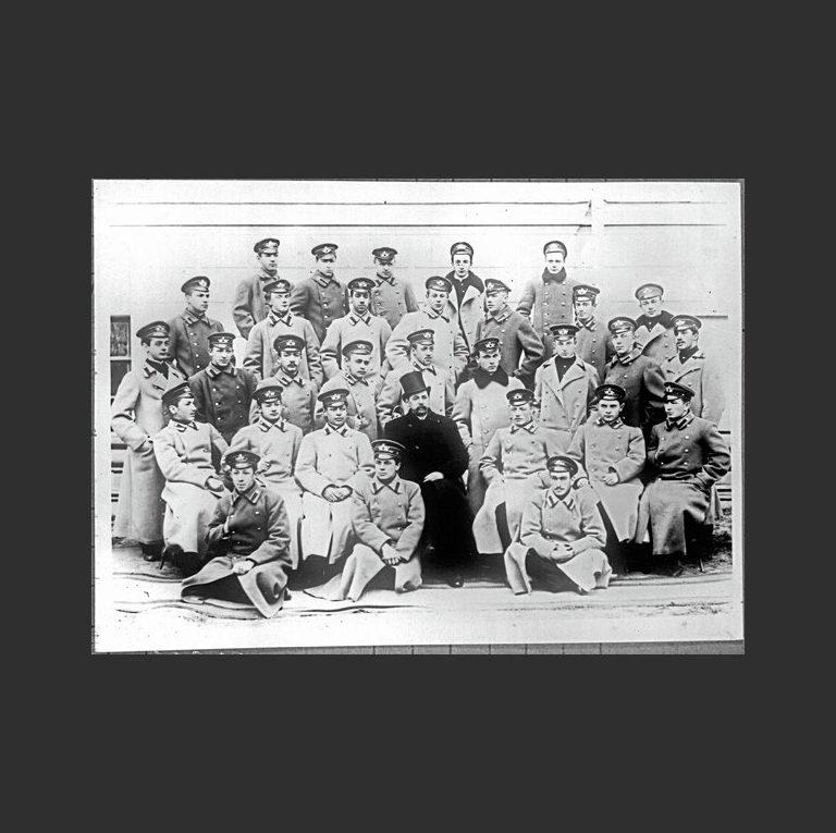И. Анненский среди выпускников Императорской Николаевской гимназии. 1899