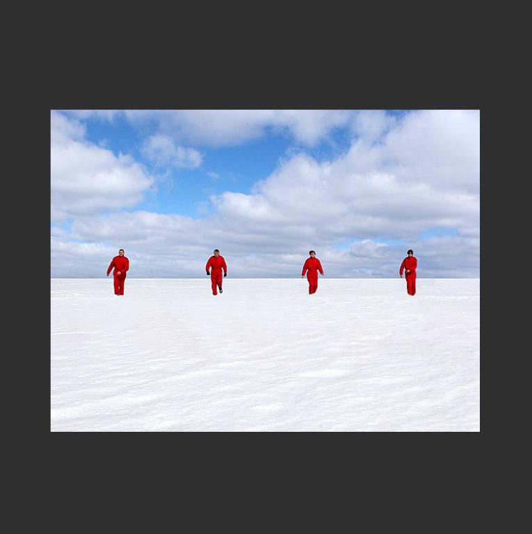 Интерактивная видеоинсталляция Too long to escape. 2005