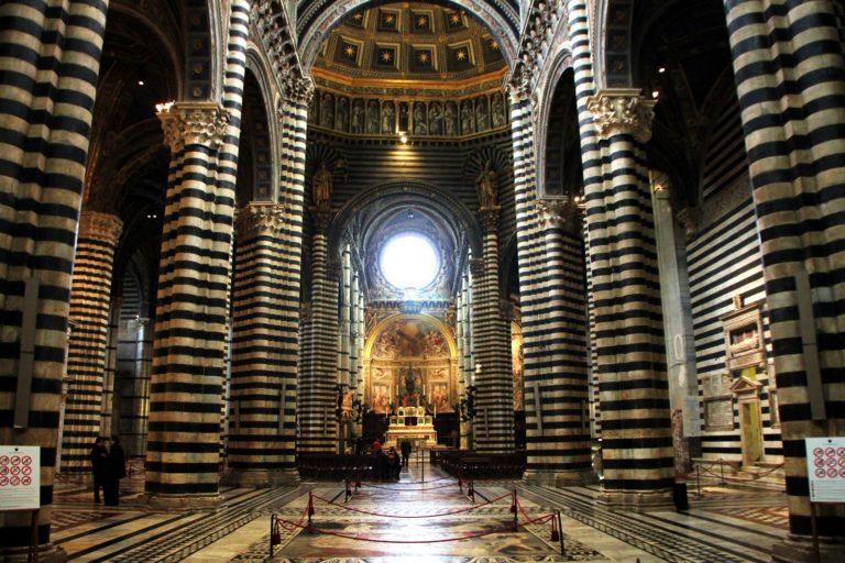 Интерьер Сиенского собора
