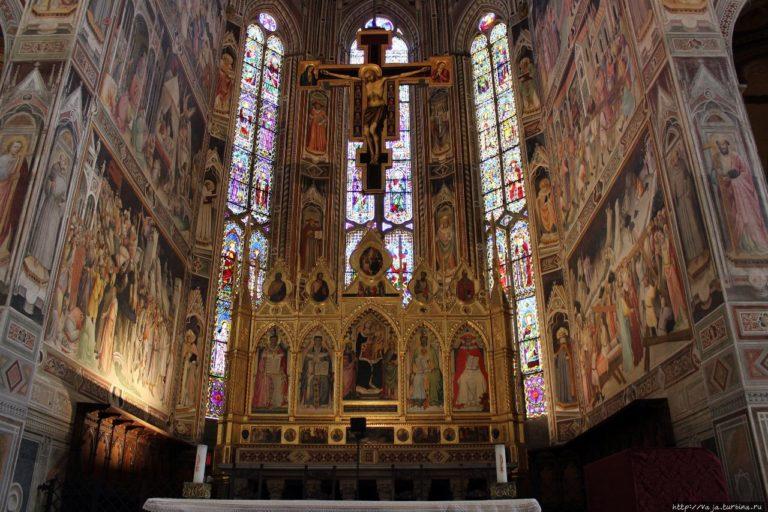 Интерьер церкви Санта-Кроче. XIV в. Флоренция