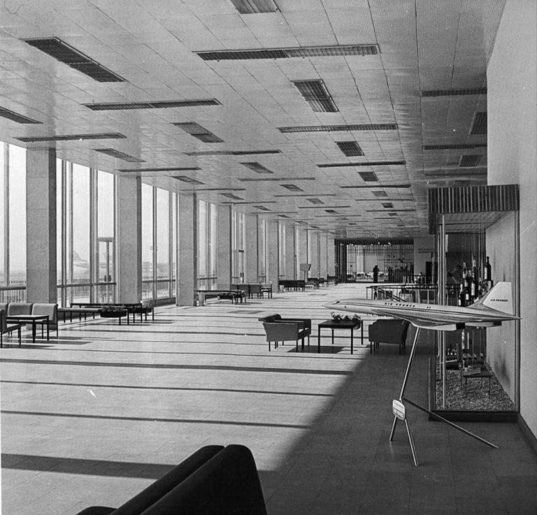 Интерьер вестибюля аэропорта «Шереметьево». 1966