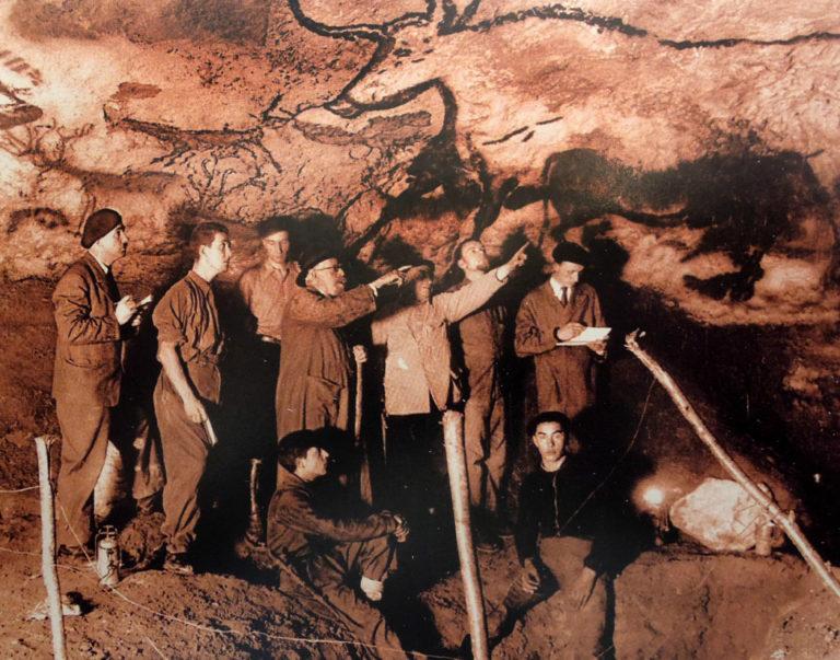 Исследователи в пещере Альтамира. Испания, нач. XX в.