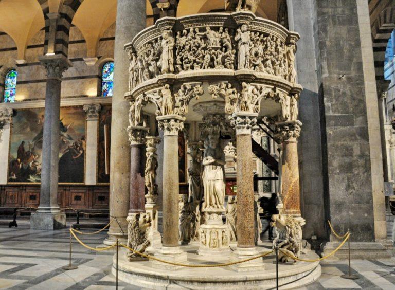 Кафедра в Пизанском соборе. 1302–1320