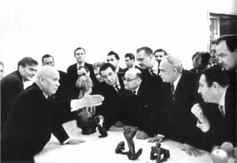Н. С. Хрущёв и Эрнст Неизвестный в Доме приёмов на Ленинских горах. Москва, 1963