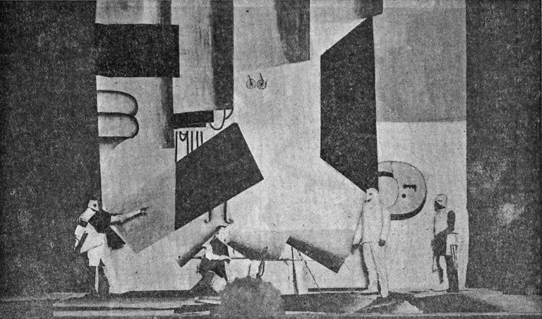Постановка футуристической оперы М. Матюшина и А. Крученых «Победа над солнцем». 1913