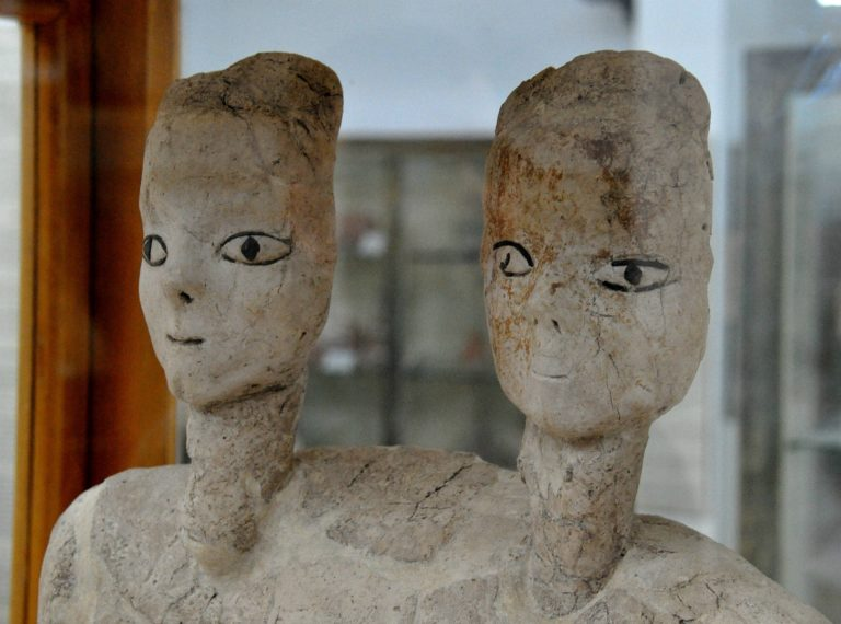 Двуглавый бюст из Айн-Гхасала. Ок. 6500 до н.э.