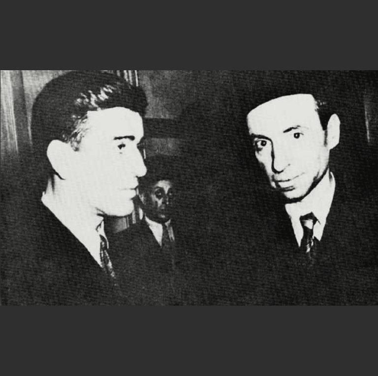 Мишель Афляк (справа), один из создателей партии Баас, и Акрам аль-Хаурани (слева), глава Арабской социалистической партии, слившейся с Баас. 1957