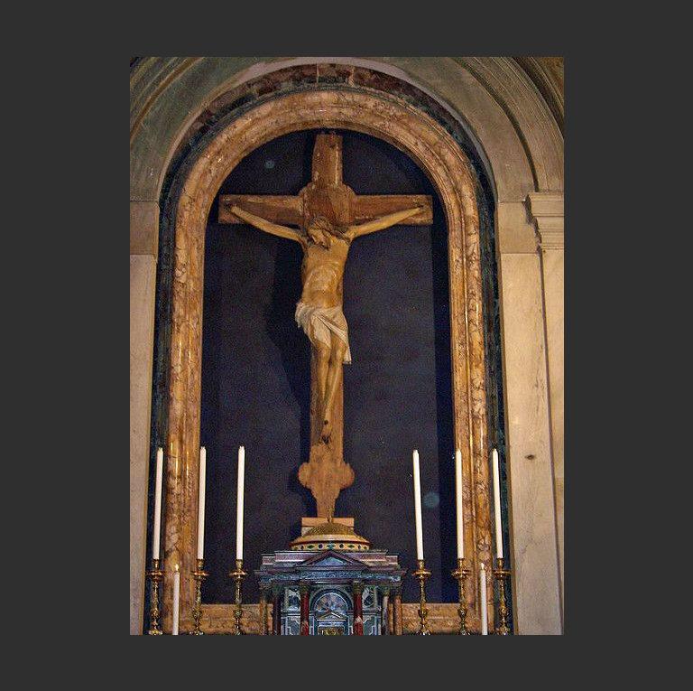 Распятие в церкви Сан-Паоло в Риме