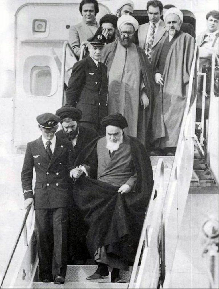 Возвращение аятоллы Хомейни в Иран после 14 лет изгнания. 1 февраля 1979 г.