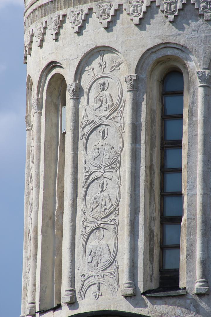 Декор барабана Дмитриевского собора, Владимир