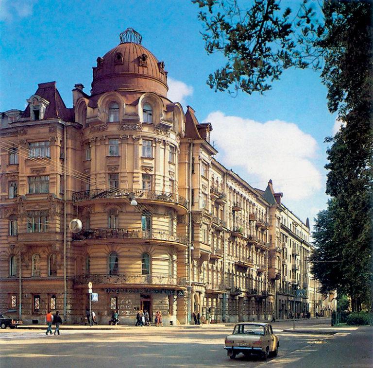 Дом с «Башней» в советские годы