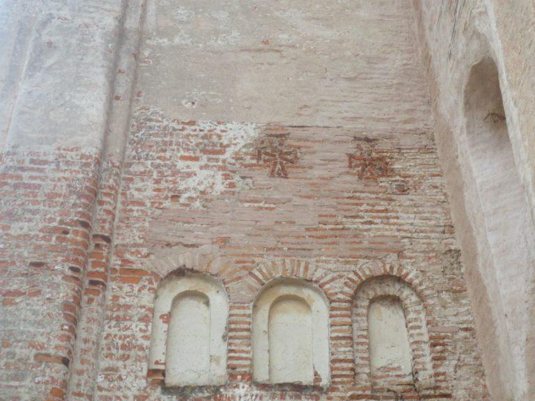 Фасад церкви Михаила Архангела