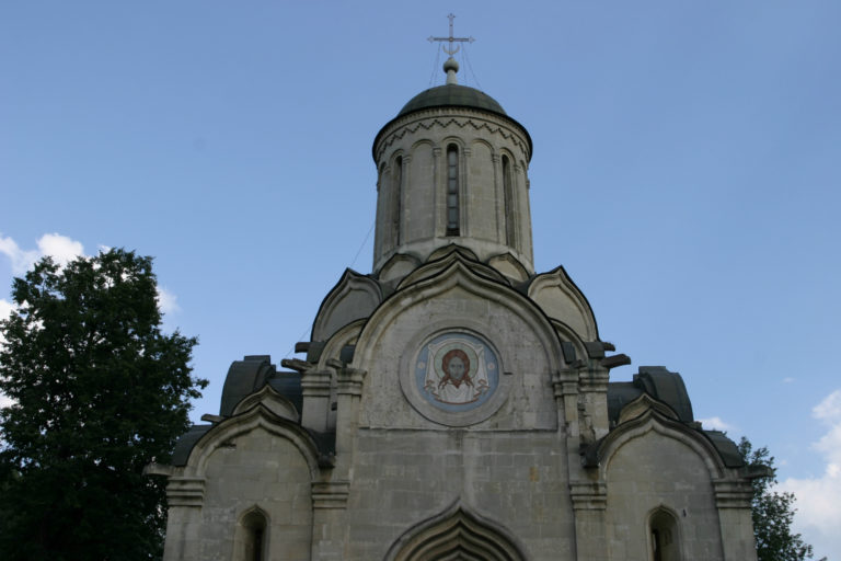 Фрагмент западного фасада Спасского собора Андроникова монастыря