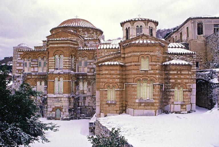 Храм Богородицы зимой. Сер. X в.