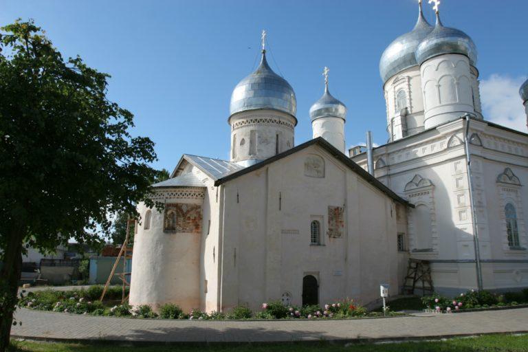 Храм Покрова Богородицы. 1335–1399