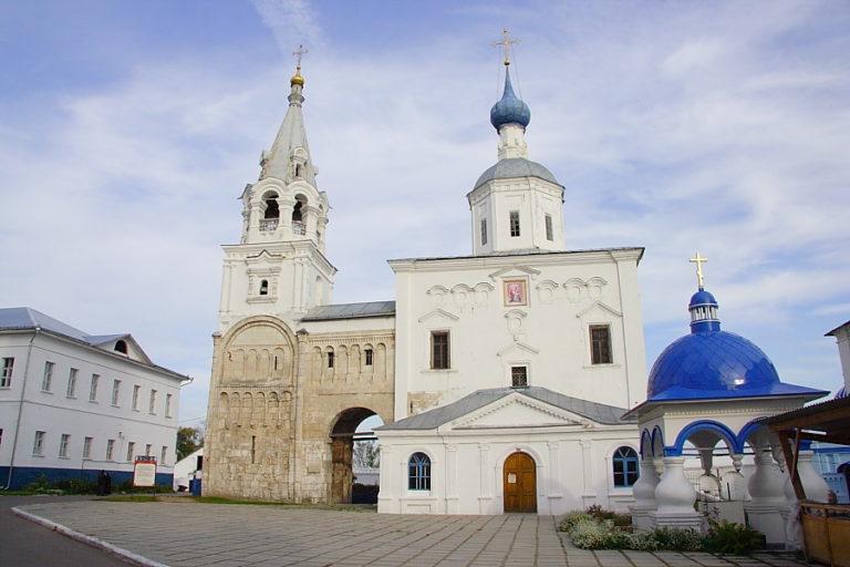 Храм Рождества Богородицы и лестничная башня. 1158–1165