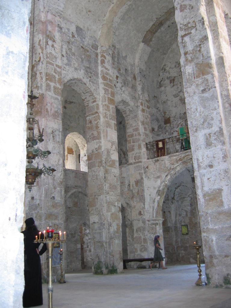 Храм Успения Богородицы в с. Моква. Абхазия, X в.