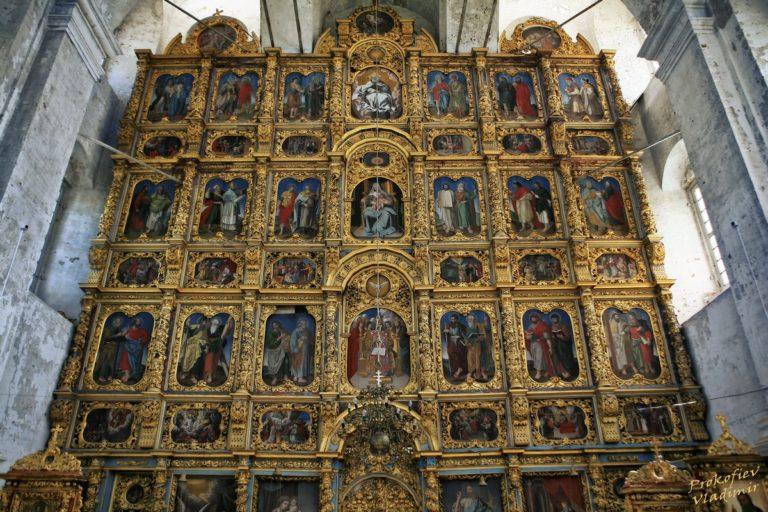 Иконостас собора Введенского монастыря