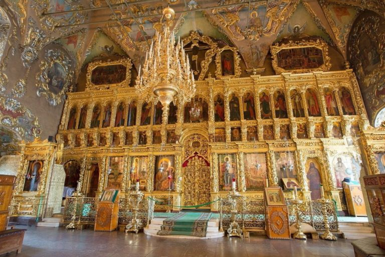 Иконостас трапезной церкви Сергия