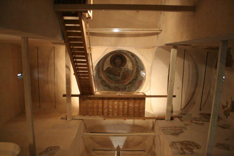 Интерьер храма Спаса Преображения на Ильине улице