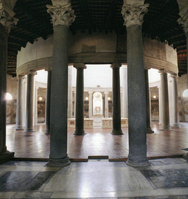 Интерьер церкви Санто Стефано Ротондо, Рим