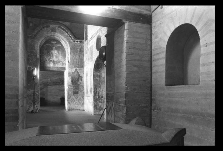 Интерьер западной части храма Спаса на Берестове, Киев
