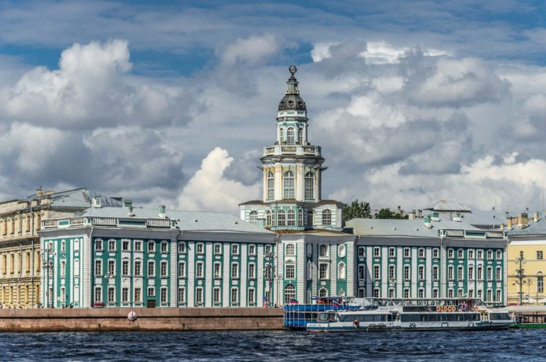 Кунсткамера. 1718–1734