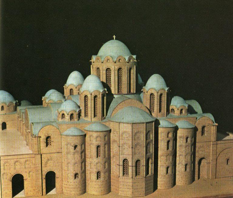 Макет первоначального облика собора Святой Софии в Киеве