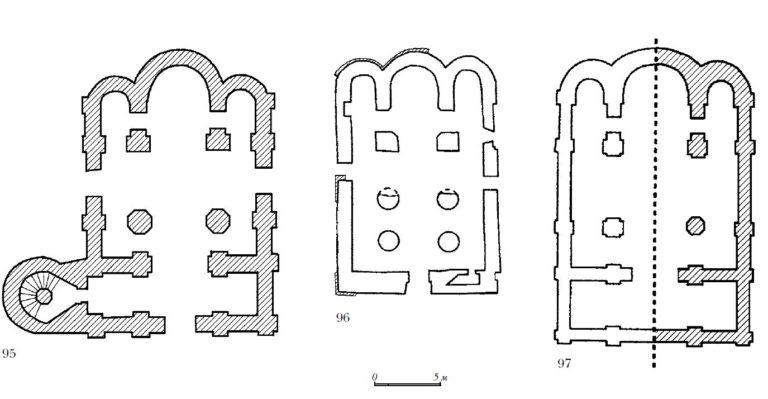 Планы собора Рождества Богородицы Антониева монастыря (1117–1122), храма Успения на Торгу (1135–1144) и храма Иоанна на Опоках (1127–1130) в Новгороде