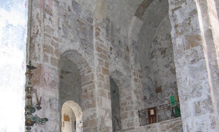 Подпружные арки храма Успения Богородицы в с. Моква. Абхазия, X в.