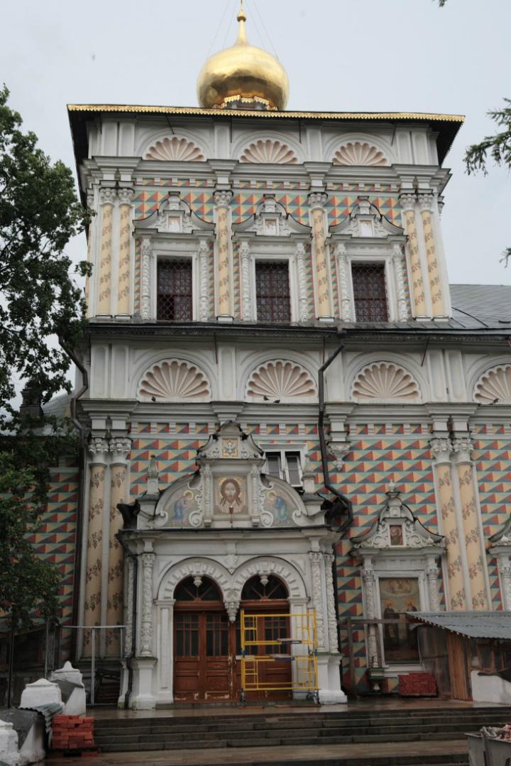 Портал трапезной церкви Сергия. 1686–1692