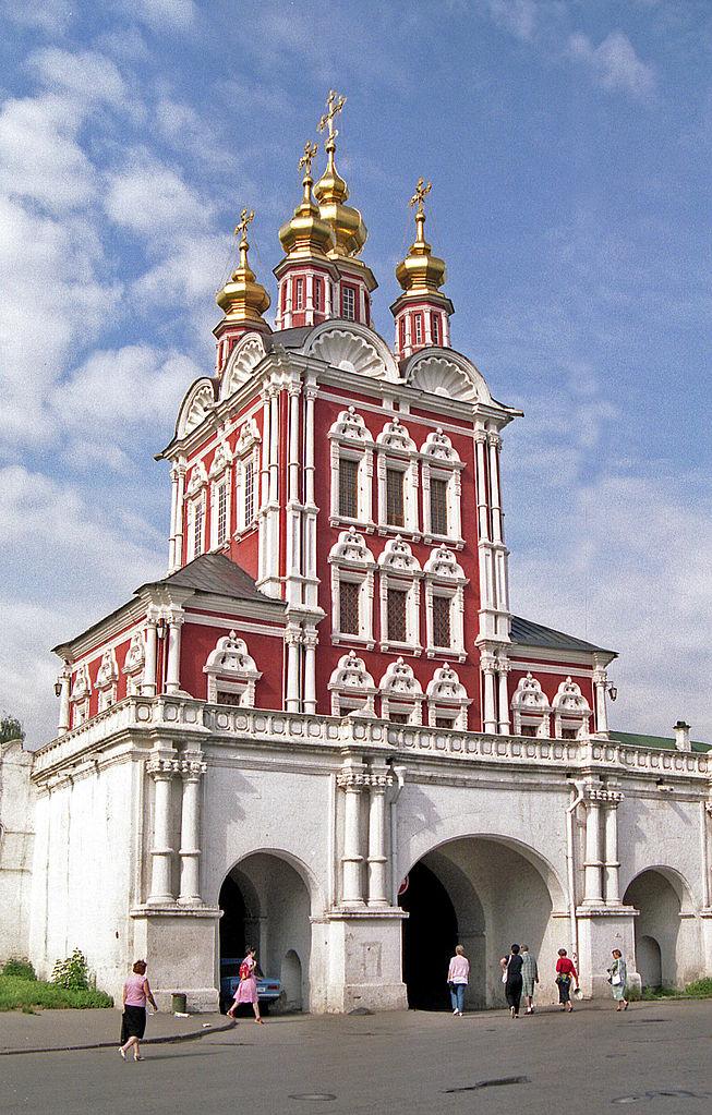 Преображенская надвратная церковь. 1687–1688