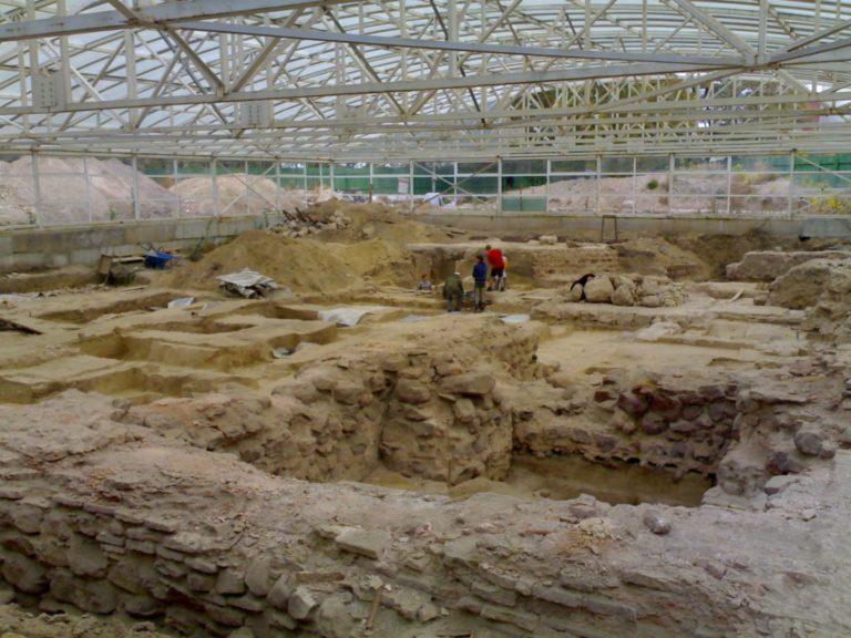 Раскопки фундамента Десятинной церкви, Киев